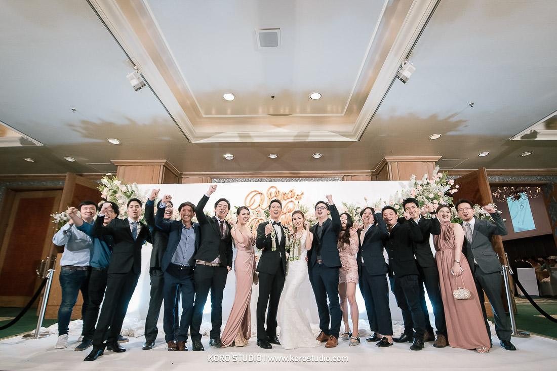 real wedding gand hyatt erawan bangkok chinese ceremony koro studio 97 Real Wedding at Grand Hyatt Erawan Bangkok - Wipa and Niti, Wedding Reception - Koro Studio