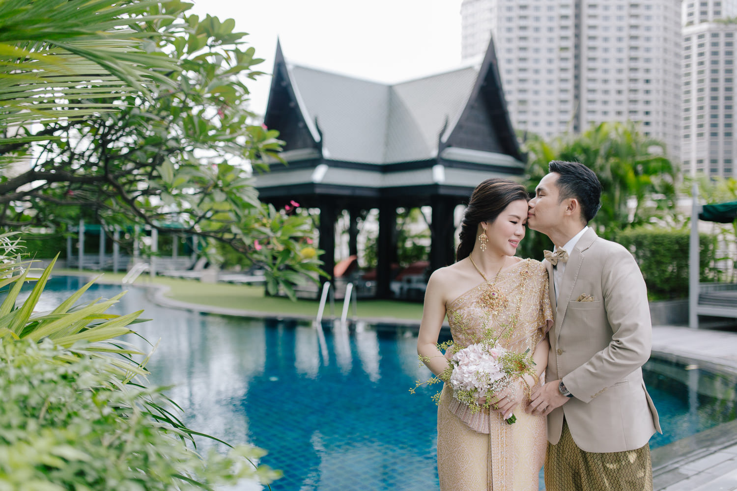 korostudio special wedding photo 54 The Athenee Hotel Piman Siam Hall, Thai Wedding Ceremony Bao and Suk